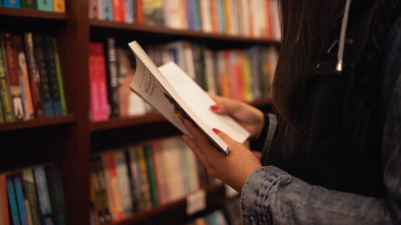 Summer-Reading-list.jpg